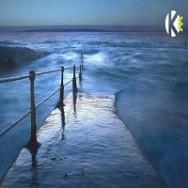 לאורך הים